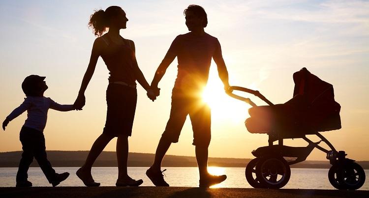 Pentingnya Program Dua Anak Cukup Bagi Kesejahteraan Keluarga